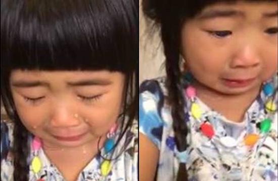 中新网3月14日电 据台湾中国时报消息,日前,曹格妻子吴速玲晒出女儿Grace伤心流泪的视频,原来是她误以为妈妈不喜欢她做的螃蟹,哭喊道:我的心都快要破掉了。   据悉,Grace在影片一开始就哭得十分伤心,妈妈吴速玲问她为何而哭,她难过的差点说不出话来,最后心酸说道:因为我做了一只螃蟹妈咪不喜欢,我的心里就快要破掉了!,吴速玲忙解释她没有不喜欢,Grace还是不停哭,还可爱的说道:可是我喜欢这只螃蟹,可是你不喜欢。