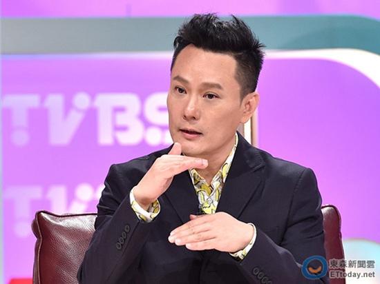 [热点新闻]张信哲:为练歌曾被李宗盛关录音室一星期(图)