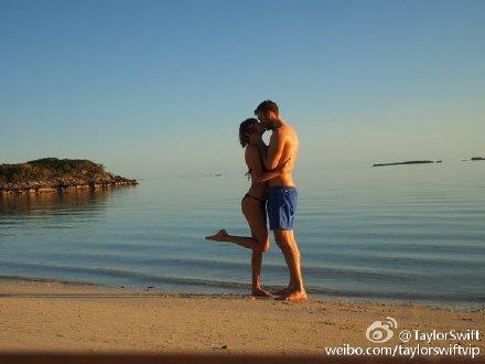 [热点新闻]泰勒·斯威夫特近照曝光 在海边与男友热吻(图)