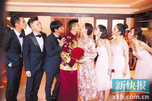 [热点新闻]吴奇隆、刘诗诗大婚礼成 小虎队同台唱《爱》(图)