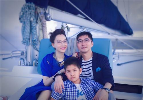 [热点新闻]陈数晒与老公、儿子出海照 一家三口温馨出镜(图)