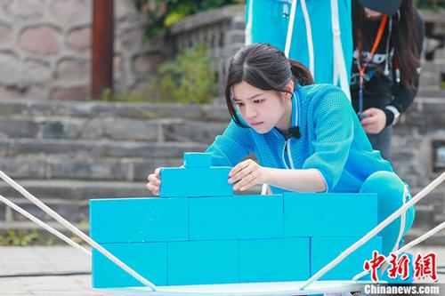 陈妍希加盟《我们来了》首曝现场照引期待