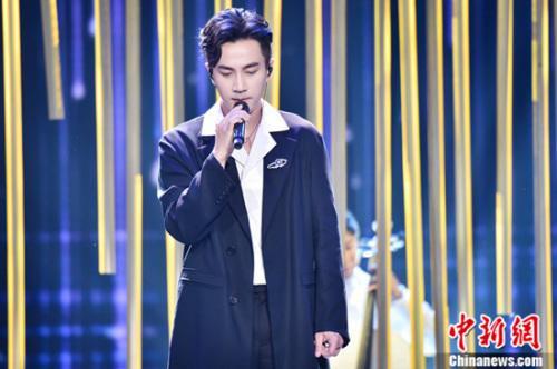 《跨界歌王》突围赛跨界歌手大招齐放争夺最终晋级名额