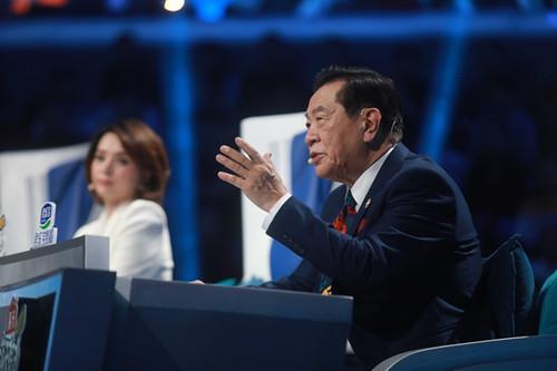 《挑战不可能之加油中国》萌滚滚上线董卿孙杨陷入国宝魅力