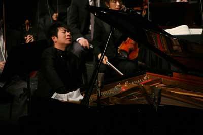 京国际音乐节 郎朗演奏 黄河 激起千层浪图片