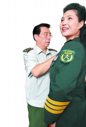 纪念新中国成立60周年 李双江梦鸽夫妇同台献