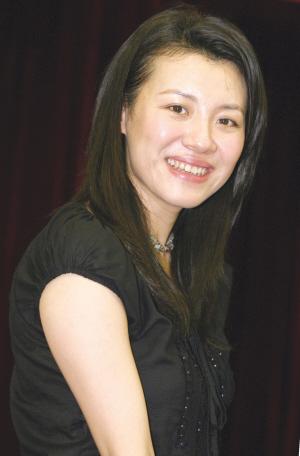 演员刘琳生活照