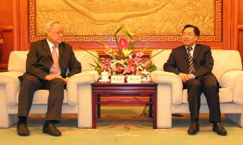 四川省副省长会见法国华商 欢迎前来考察项目