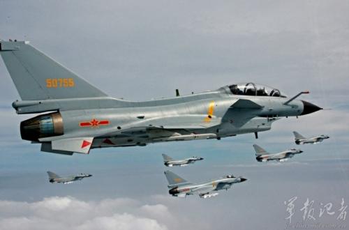歼-10是中国自立研制的第三代战斗机。该机最大腾飞分量超18吨,最大航程,作战半径超过1000公里。