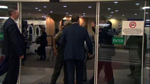 金砖峰会期间普京护卫与南非安全官员产生 争论(网页截图)