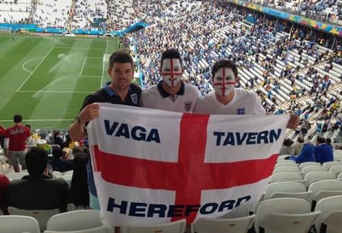 马特和弟弟在巴西寓目英格兰的世界杯竞赛