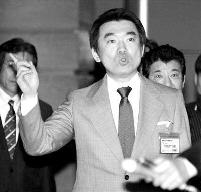 日本新一代左翼人物桥下彻。