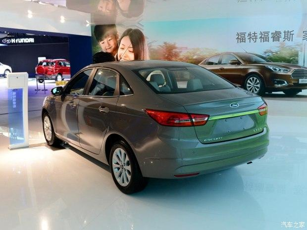 长安福特 福睿斯 2015款 1.5L 手动时髦型