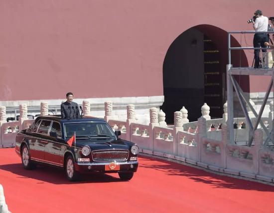 盘点历次阅兵车的车牌号:京v02009 A01-3430