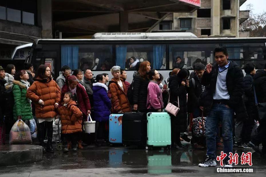 儿童乘车优惠拟不再量身高 6岁以下可免费乘公交