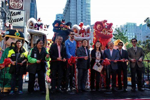 旧金山中国城马年新春花会举行华裔政要拜年(图)