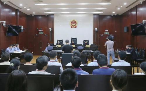 上海杀害小学生致2死案二审开庭 将择期宣判