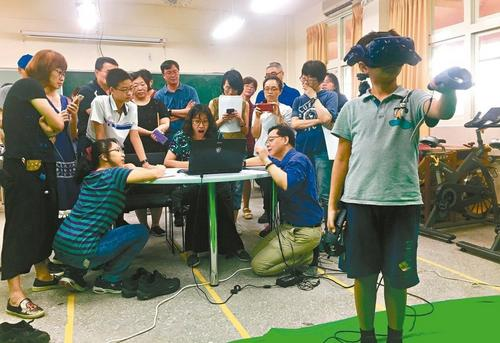 台湾新课纲上路 逾3成学校发愁科技课师资等困扰